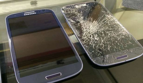 Замена стекла на Samsung Galaxy s4 в сервисном центре и в домашних условиях