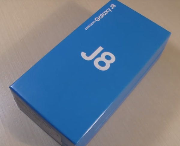 Самсунг джей 8 фото коробка